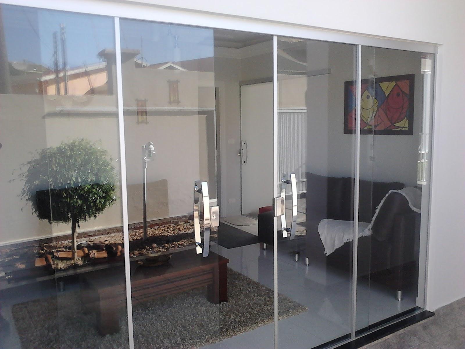 porta de vidro temperado externa